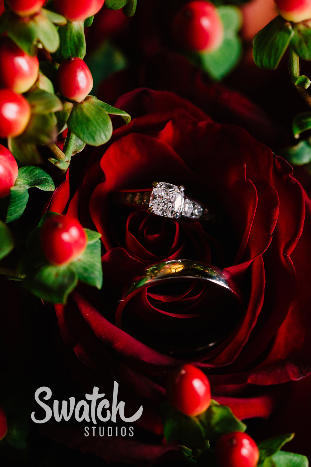 Wedding_Rings_in_Rose