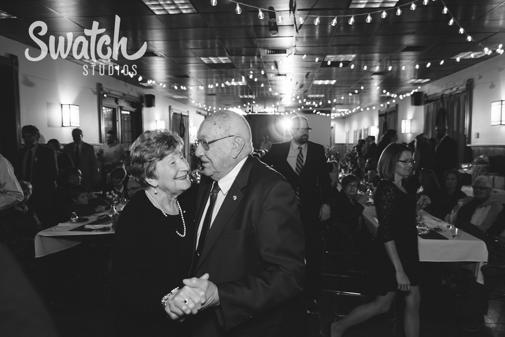Grandparents_Dance_at_Wedding