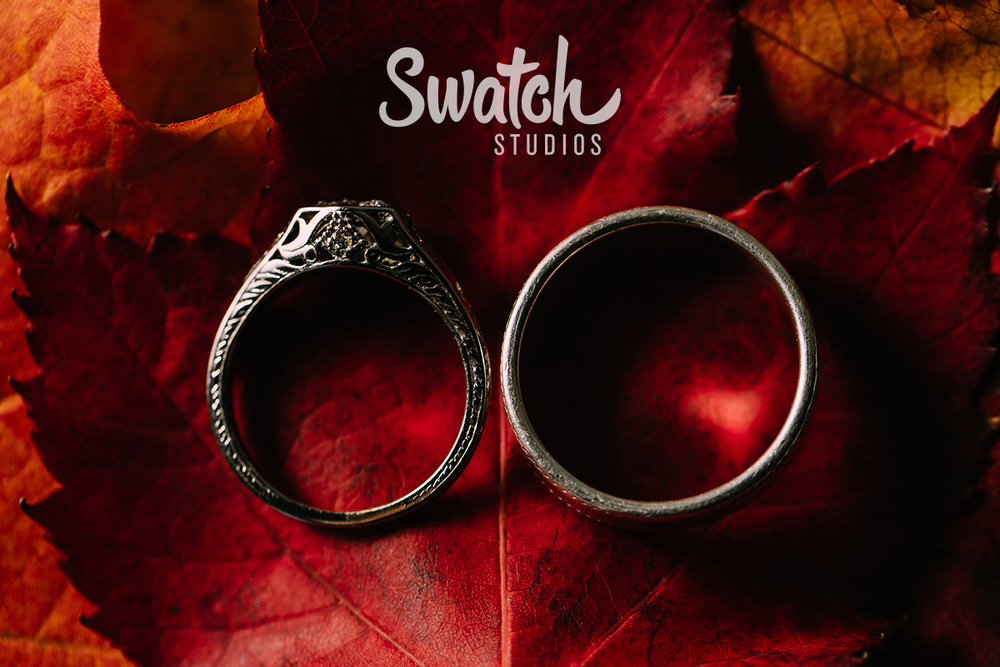 Fall_Wedding_rings_and_Red_leaves
