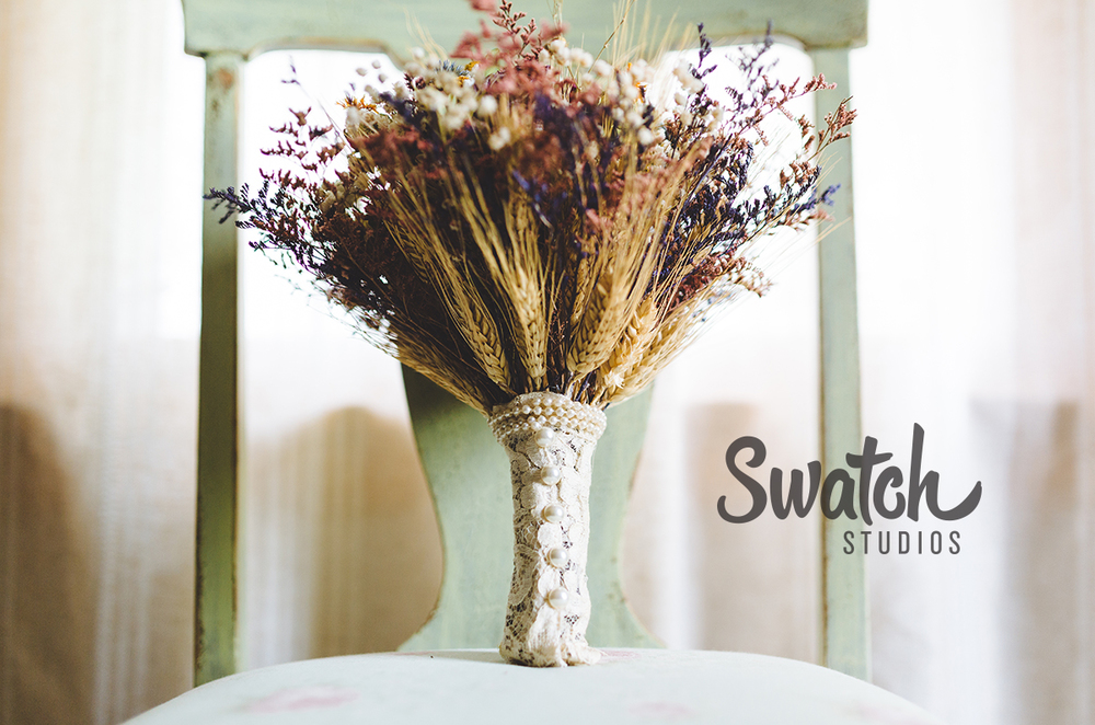 Handmade_bouquet_of_dried_flowers