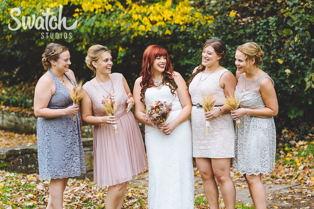Fall_wedding_bridesmaids