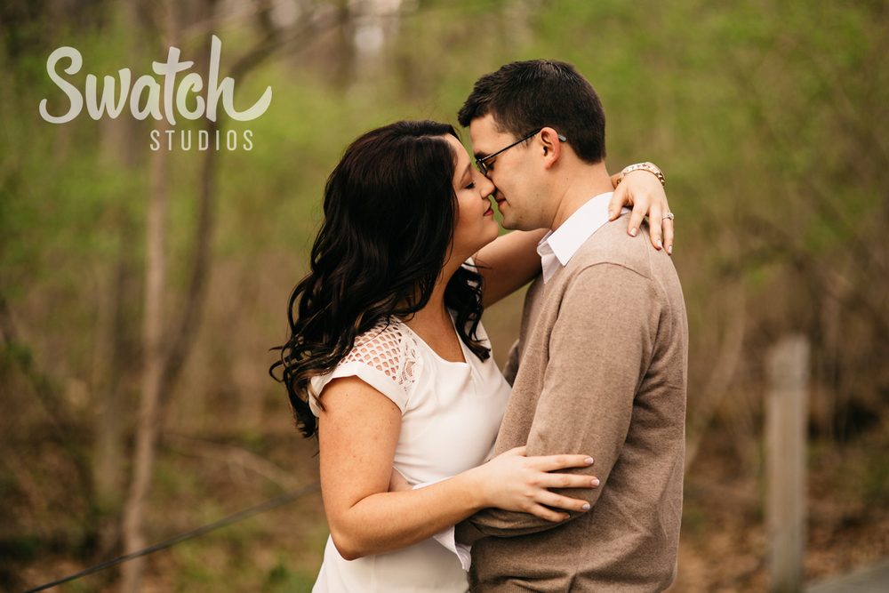 Engagement_Session_Kiss