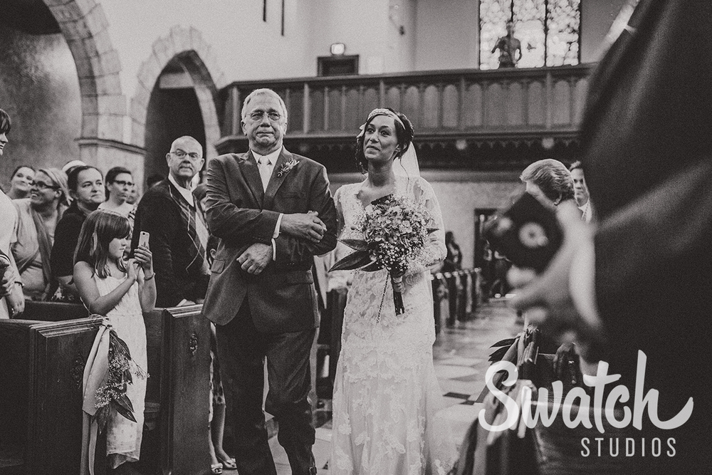 Bride_and_her_Father_Walking_Down_the_Aisle