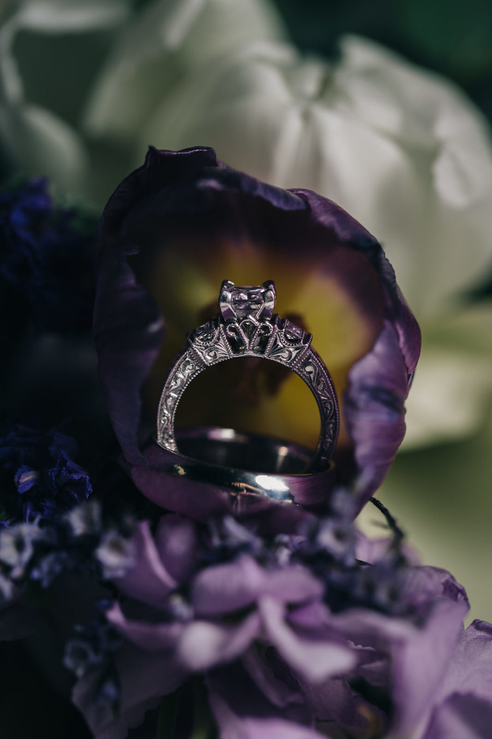 Vintage detailed wedding ring.