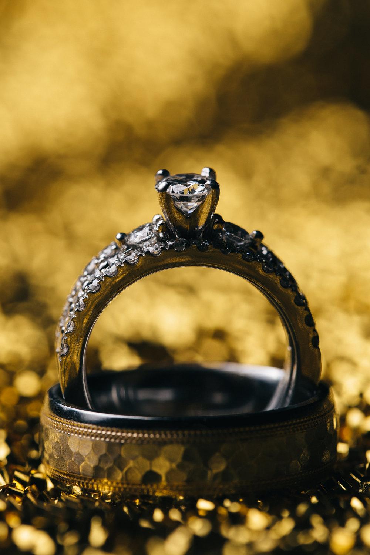 Diamond wedding ring photography