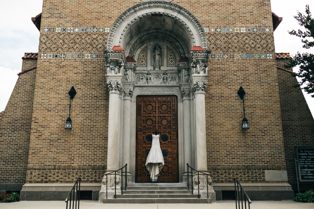 Summer wedding at St.Aloysius Catholic Church in Bowling Green, Ohio.