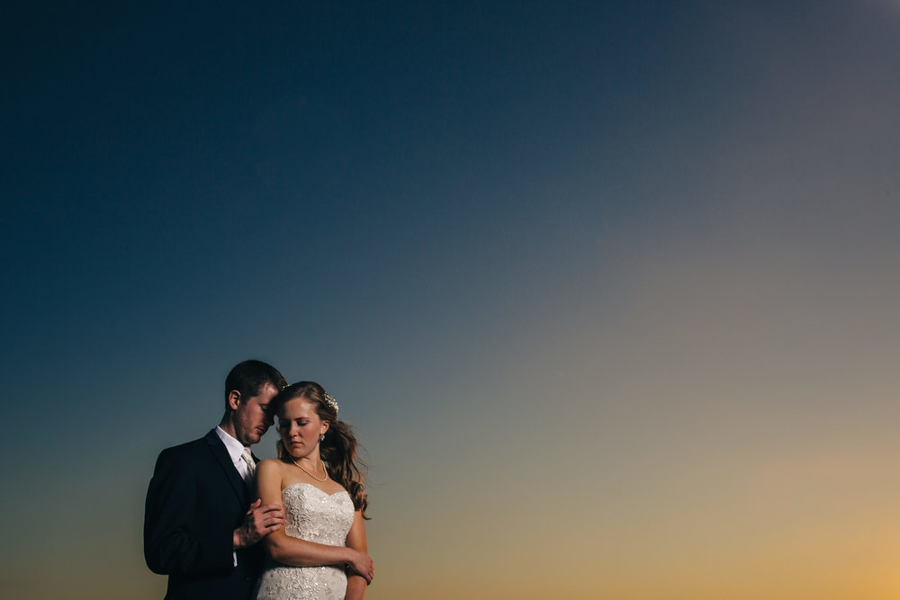 Sunset wedding photography at Stone Ridge Golf Club in Bowling Green, Ohio.