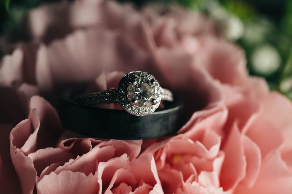 Diamond wedding ring inspiration for brides.