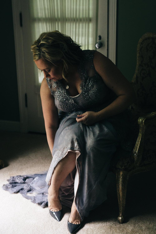 Bride getting ready in Toledo, Ohio.