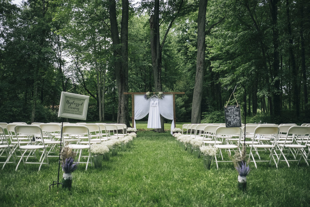 Summer backyard wedding in Whitehouse, Ohio.
