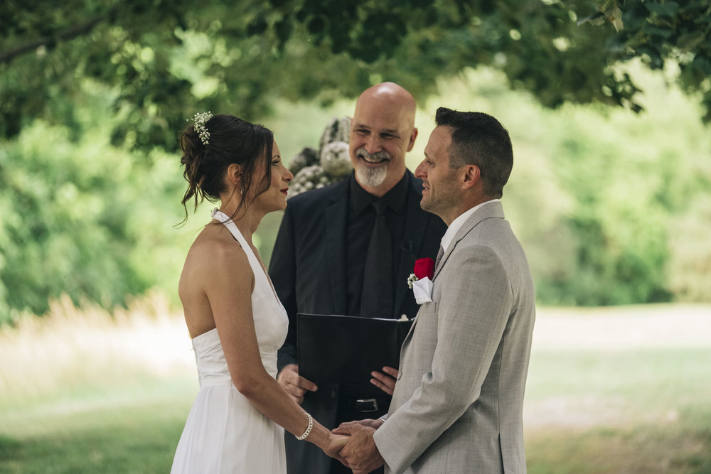 Couple saying their vows at their elopement in Ohio.
