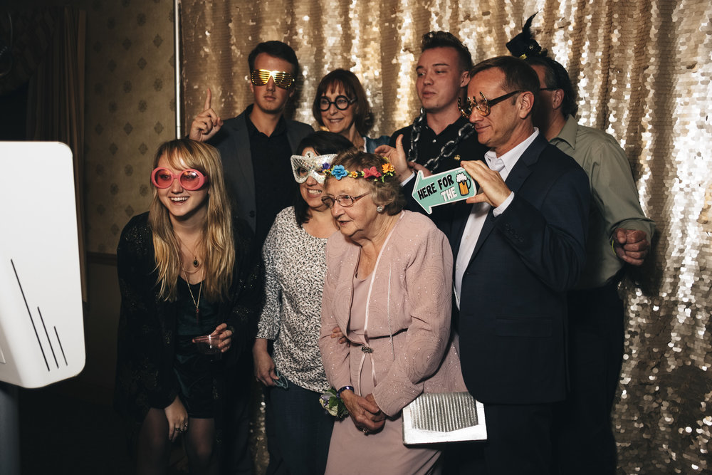 Best photobooth rentals in Northern Ohio include Swatch Photobooth