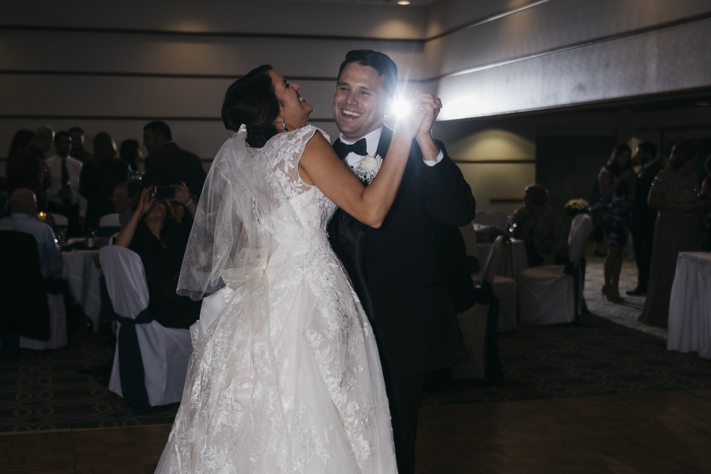 Bride and groom share their first dance in Northern Ohio wedding