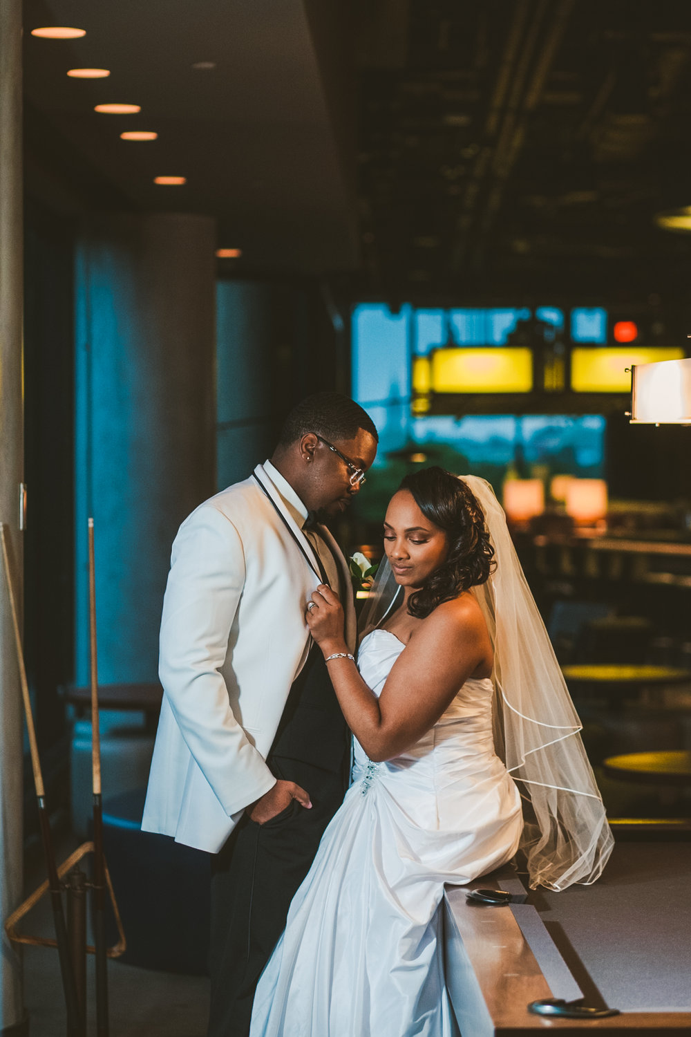 Toledo Couple and Wedding Photographers from Ohio at the Renaissance Hotel in Downtown for Wedding Day