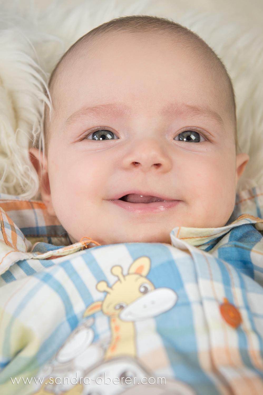 baby boy 4 month