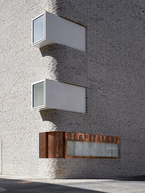 Inspiração arquitetônica da Alemanha também, este prédio é de um hospital em Stuttgart, veja o link aqui.