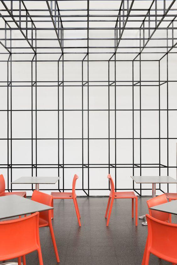Instalação no Museu de Arte Contemporânea de Chicago idealizada pelo escritório de arquitetura Johnston Markleefeita para a Bienal de Arquitetura de Chicago, ficou em visitação até o inicio de janeiro deste ano. Mais infos no link.