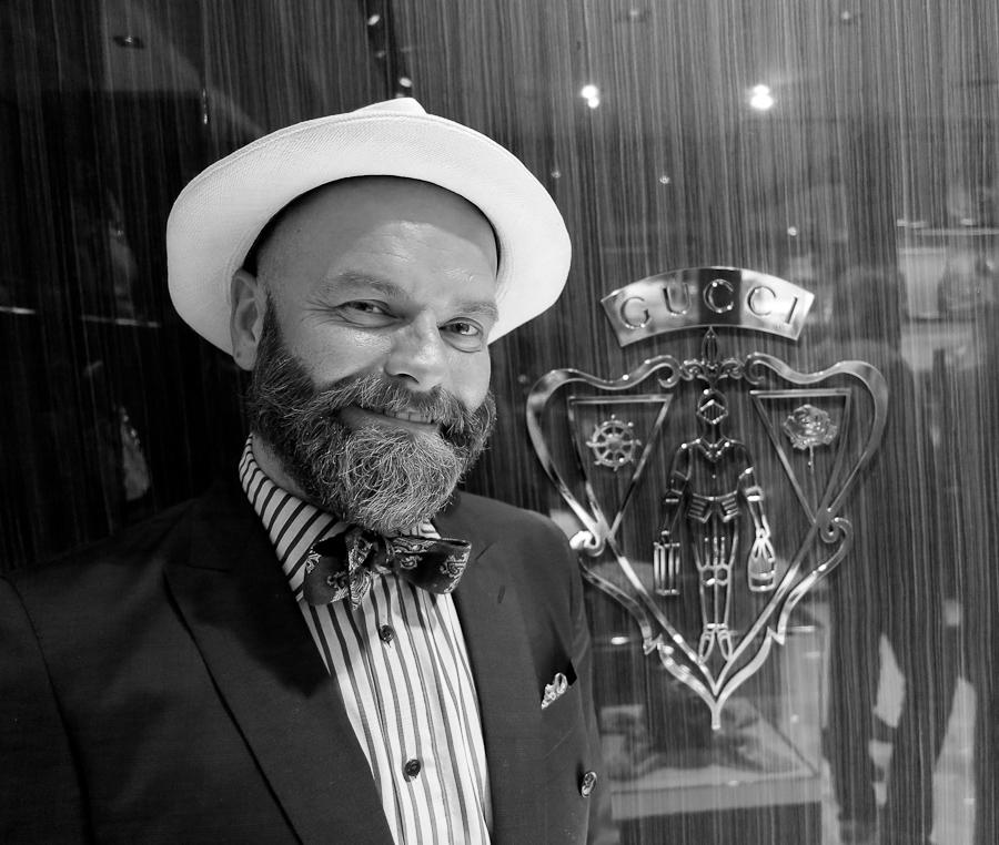 John André Hanøy dukker stadig opp på bildene mine, og det er fordi jeg er så glad i han. Og så er han jo en av Norges dyktigste mote-eksperter!