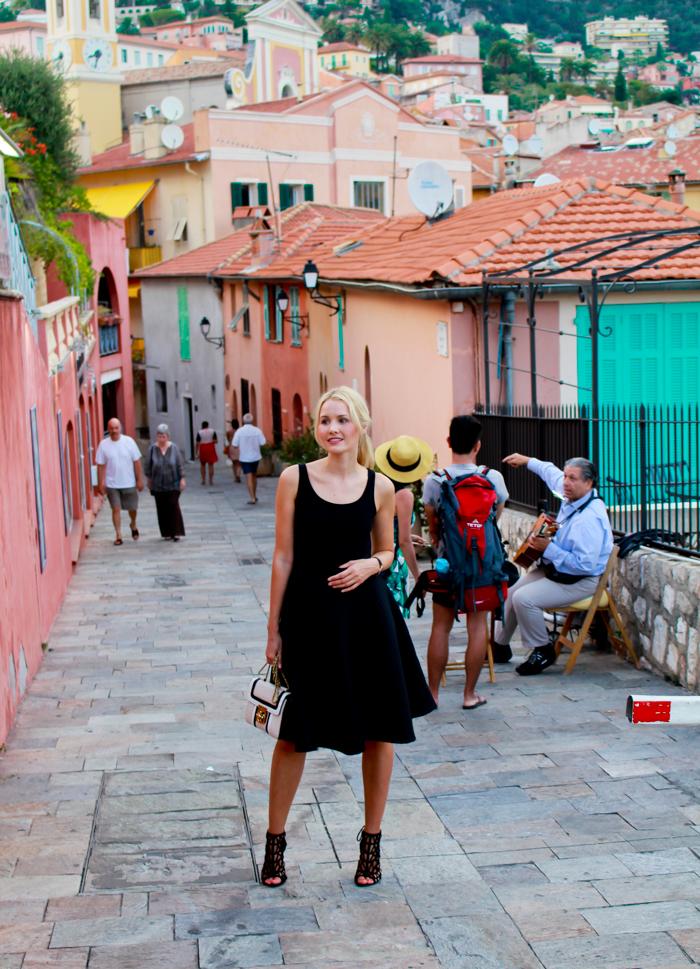 Wearing //Skirt: H&M// Shoes: Zara// Bag: Chloé
