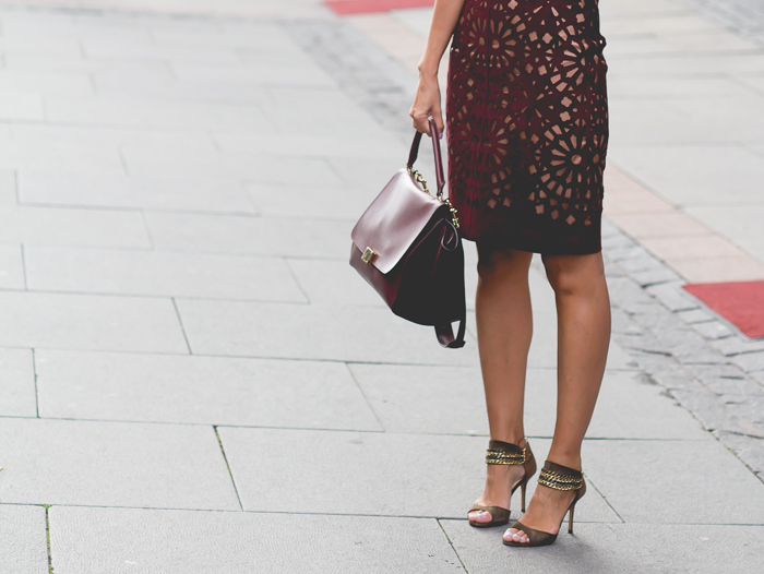 //Skirt by Carven// Shoes by Jimmy Choo// Bag by Céline//