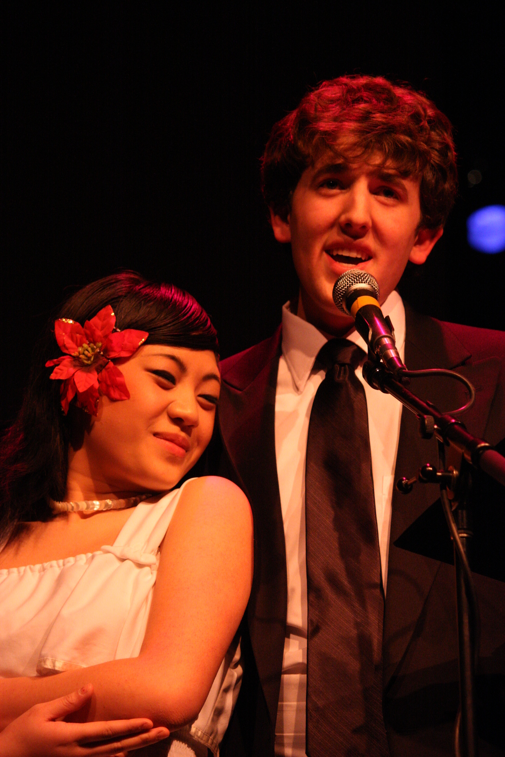 2010 South Pacific in concert 338.jpg