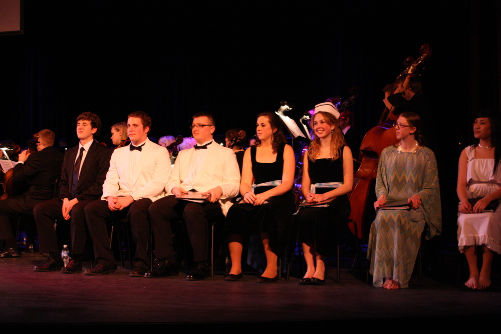 2010 South Pacific in concert 273.jpg