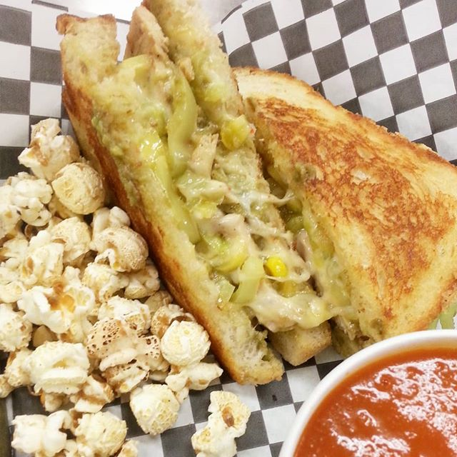 Happy #cincodemayo on this beautiful Saturday! Craving something cheesy? Celebrate with our Cartel #GrilledCheese . . . . . . . #JunctionTO #toronto #ComfortFood #cutthecheeseTO #sandwichesto #dopefood #guacamole #chicken #cheese #cheeselovers #tdot #instafood #foodies #torontofoodies #foodporn