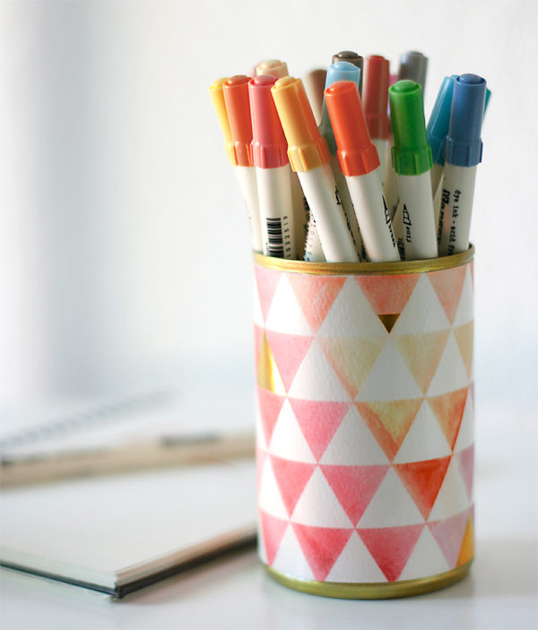 Watercolored_pencil_holder.jpg