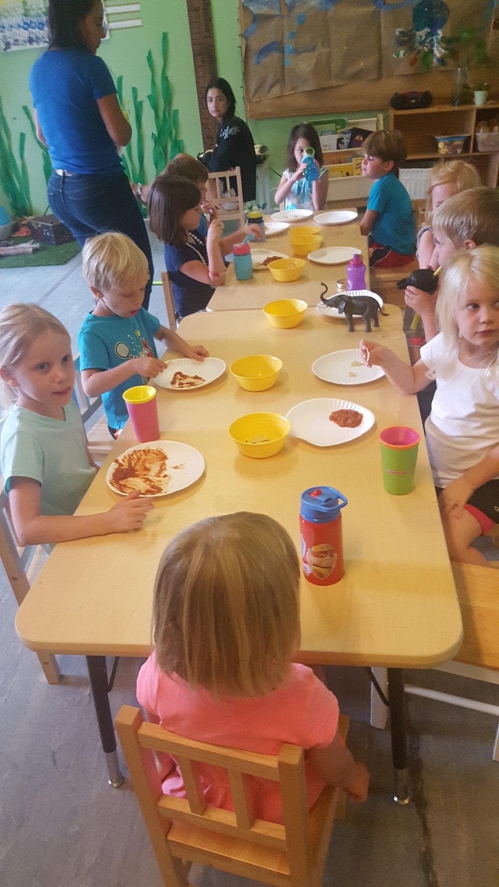 Students-Enjoying-Snacktime