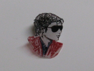For an example piece, Tamar showed me her Michael Jackson shrinky dink pin she wore for our crafty meetup. Awesome!