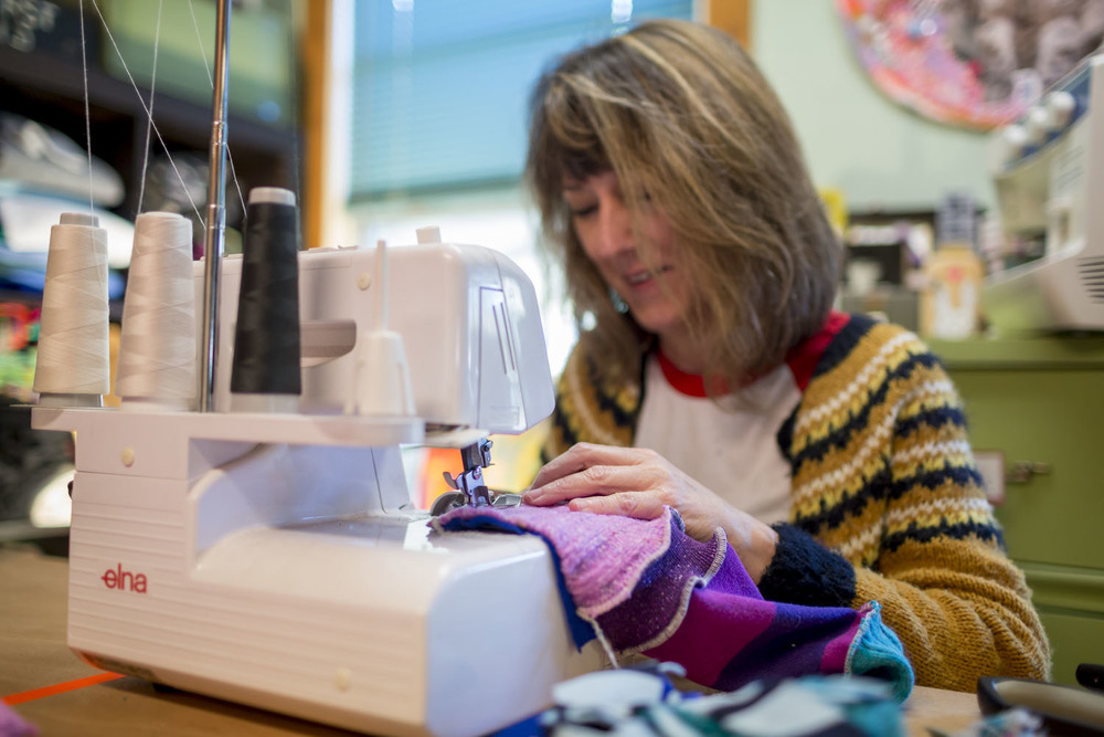 Maker-Teresa-OConnor-sewing.jpg