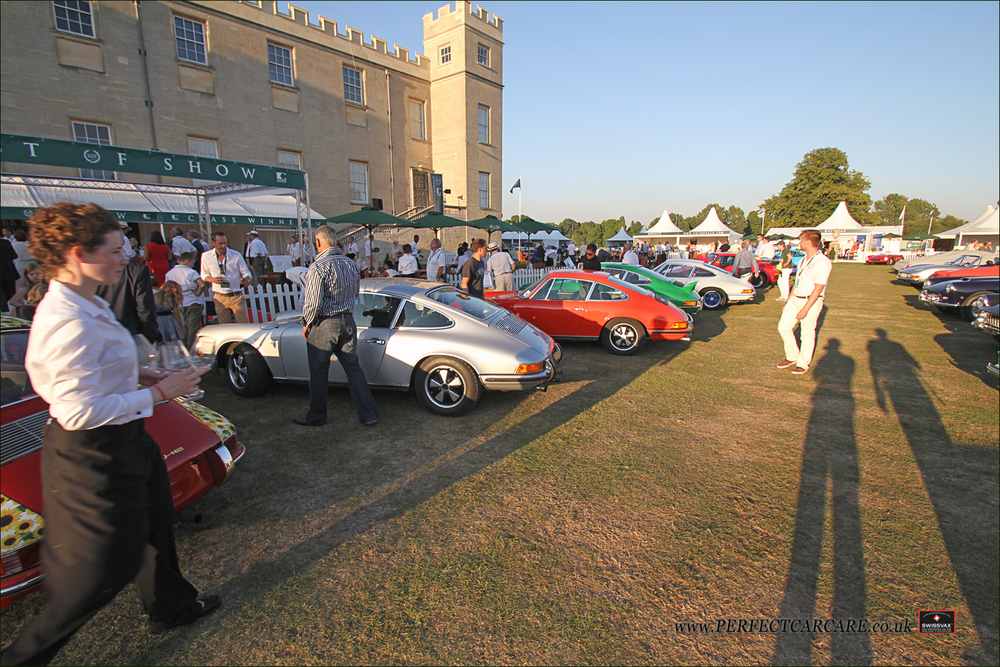 Some more classic 911s on display