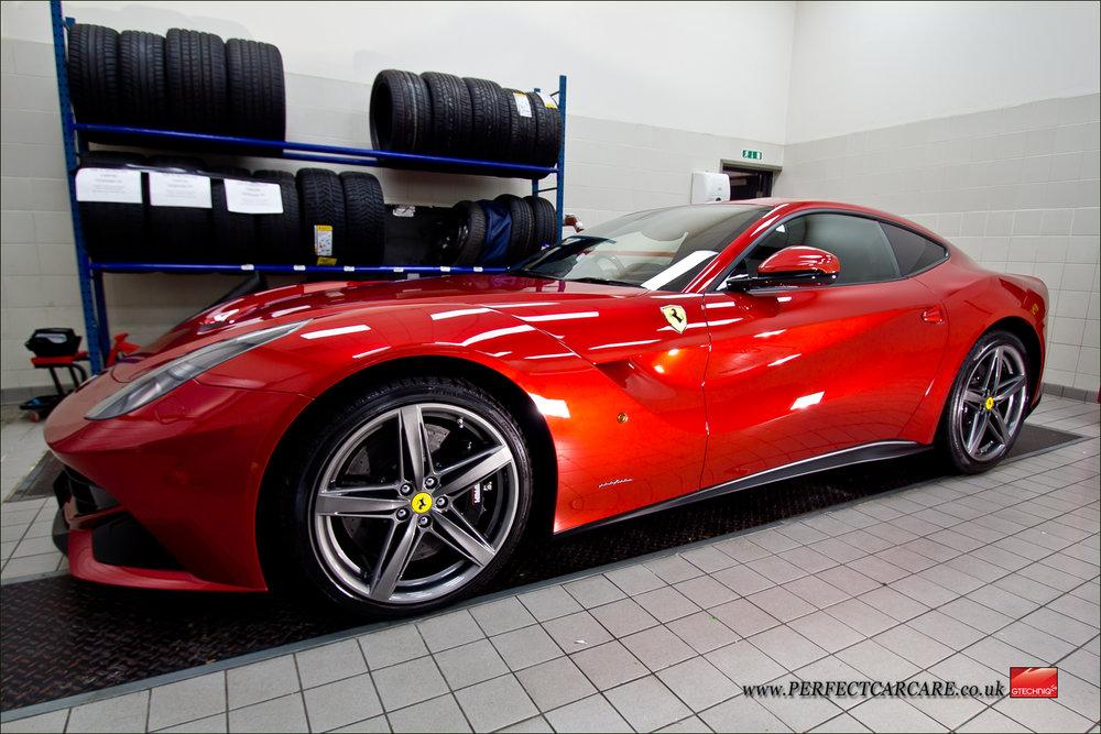FerrariF12FUOCO-23.jpg