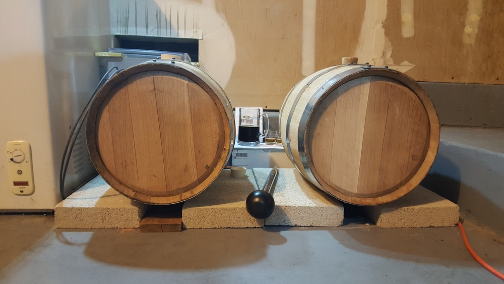 With a fermentation chamber next to a couple of barrels, the garage is starting to look bragworthy. Aforementioned Single Malt Scotch Porter in the background.