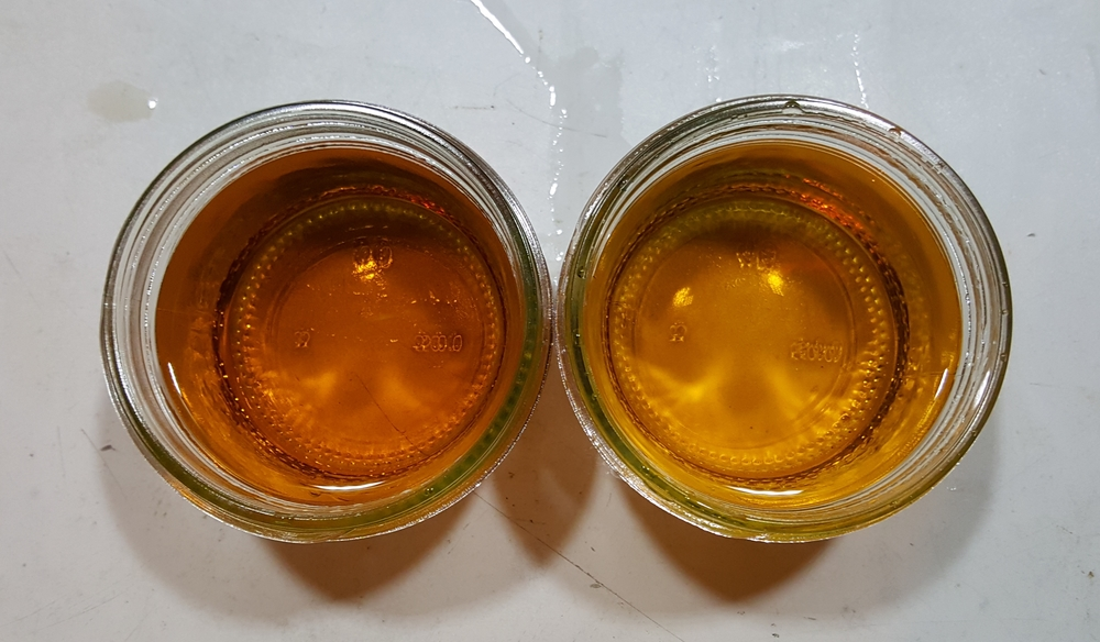 3 weeks in 5G barrels (#4 char) - Hertzbier on the left.