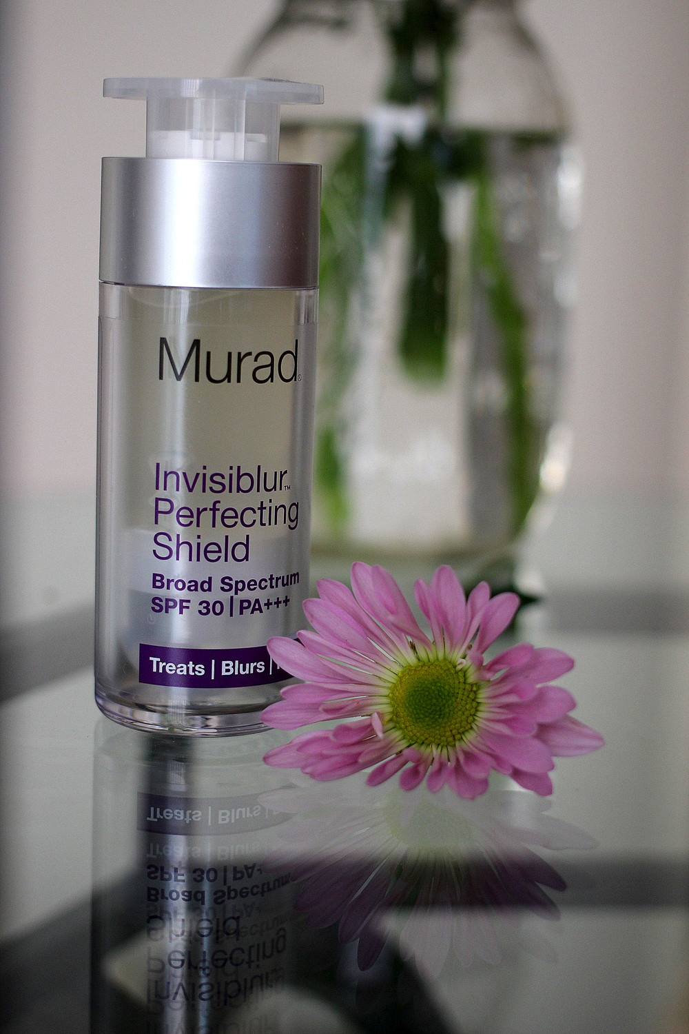 Murad Invisiblur Perfecting Shield Review at  Kaleidoscopes and Polka Dots