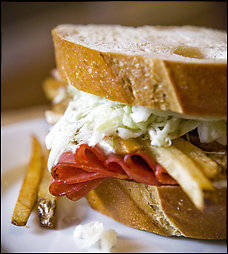 primanti bros sandwich recipe, primanti brothers almost famous sandwich picture, sandwiches with french fries, french fries and pastrami