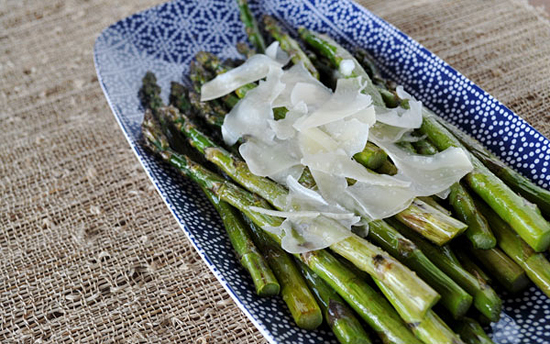 fast asparagus recipe, asparagus with parmesan and lemon, asparagus tip picture, recipes with asparagus