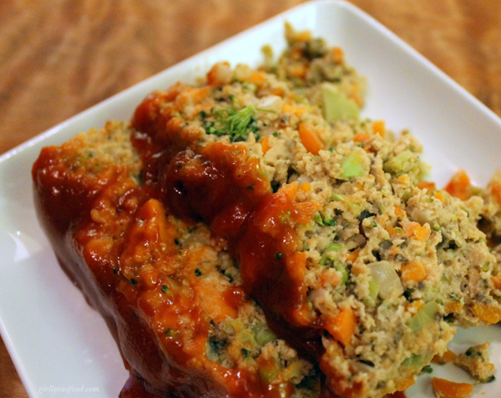 turkey meatloaf recipe, best meatloaf recipe, veggie meatloaf recipe, sriracha recipes, sriracha meatloaf recipe, best sriracha recipes, unique meatloaf, better homes and gardens cookbook recipes, girl loves food