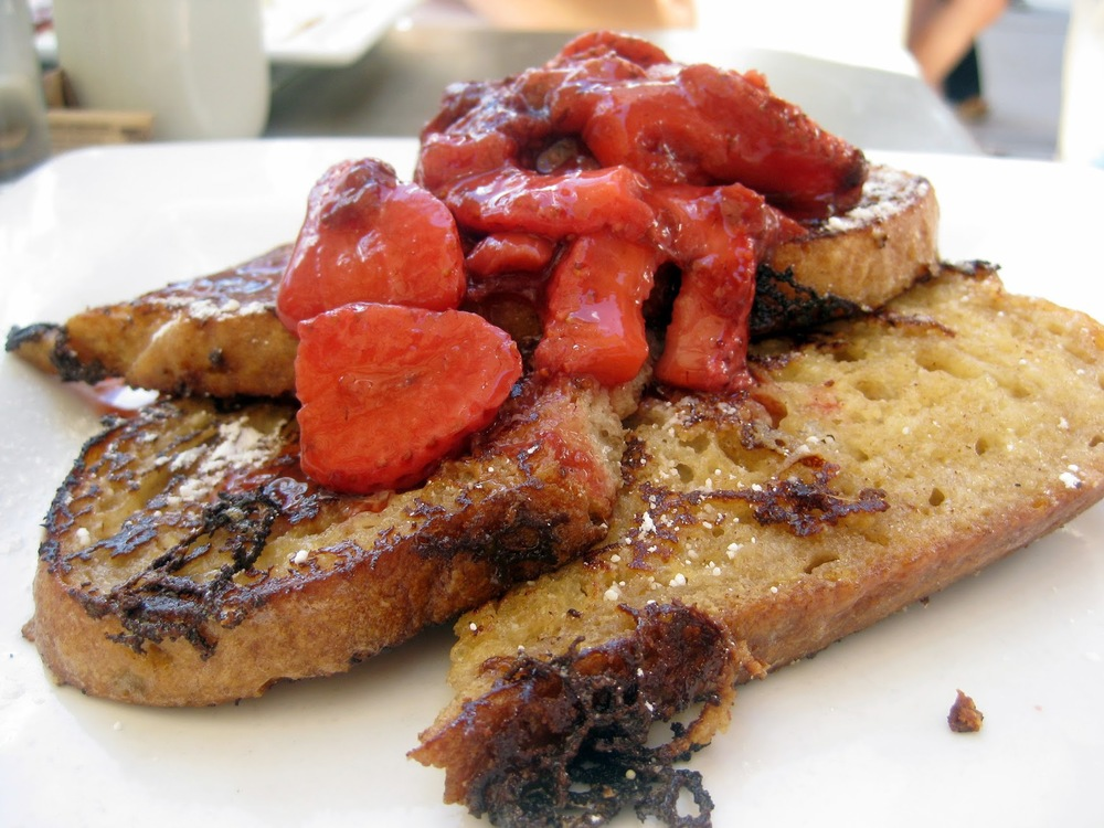 strawberry french toast, cheekys strawberry french toast, best french toast palm springs, great breakfast palm springs