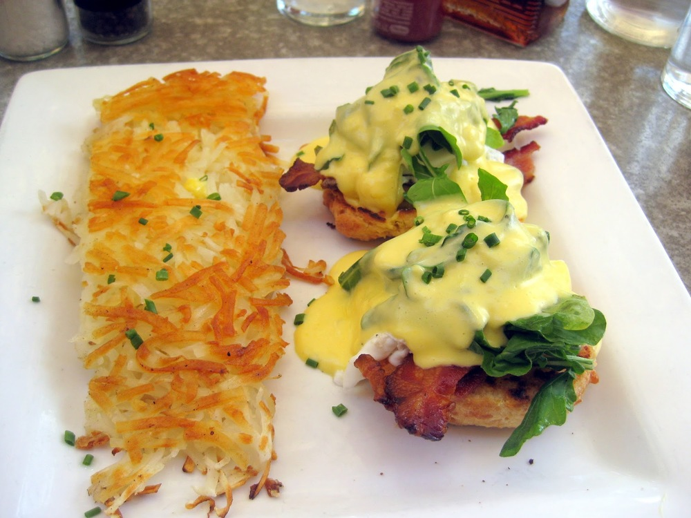 benedict cheekys palm springs, bacon benedict palm springs, best breakfast palm springs