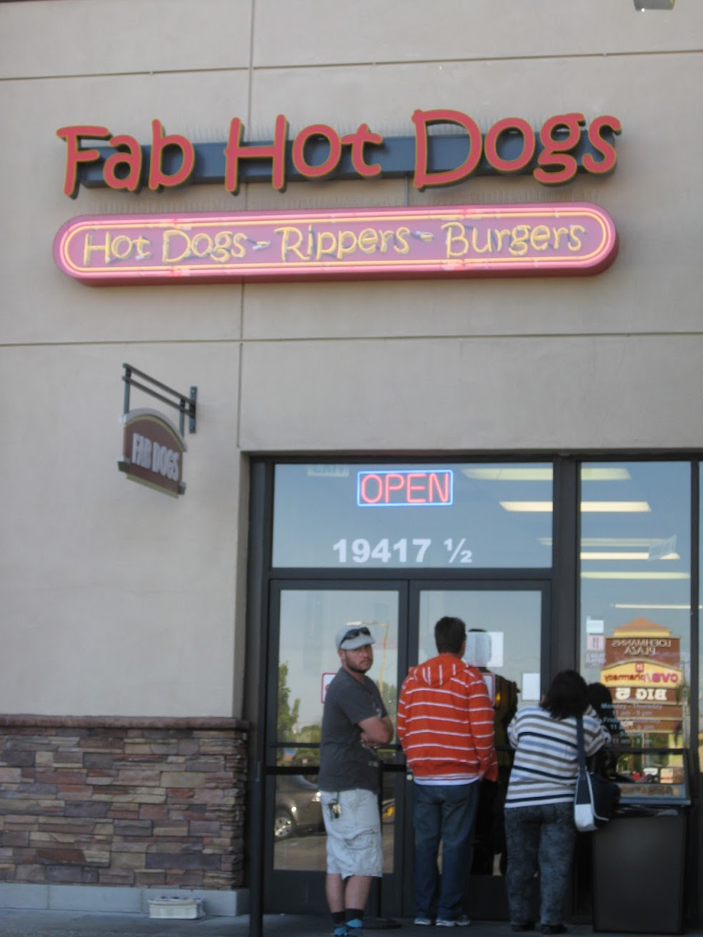 fab hot dogs los angeles valley, best tasting hot dog los angeles, great hot dogs