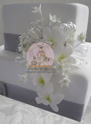 Singapore Orchid Wedding Cake
