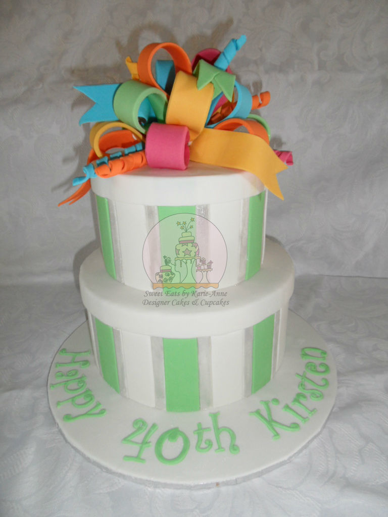 Loopy Bow Gift Box Cake