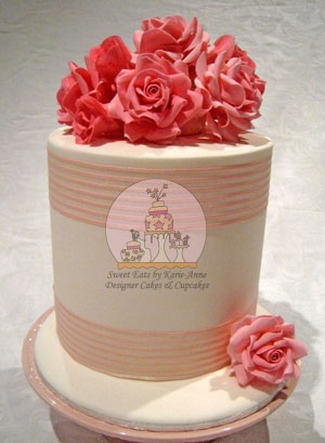 Ami Pink Roses Wedding Cake