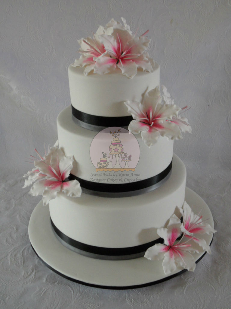 Lilly themed Wedding Cake