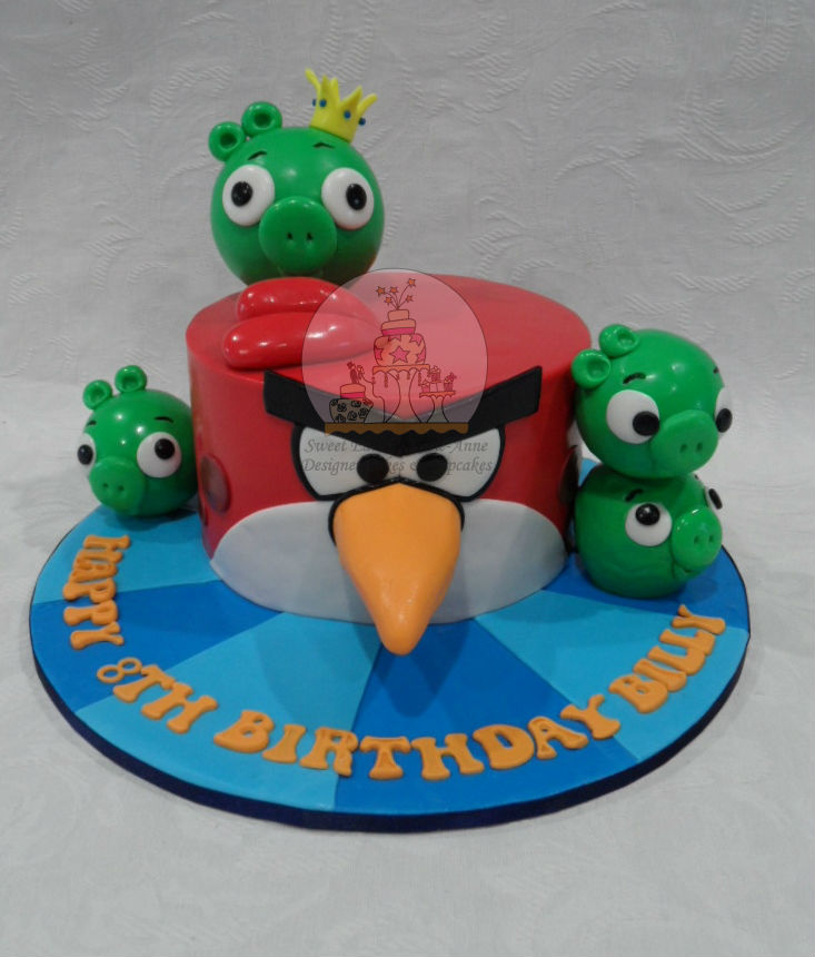 Angry Birds Cake with Pigs