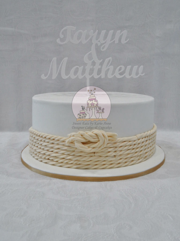 'Tying the Knot' Wedding Cake