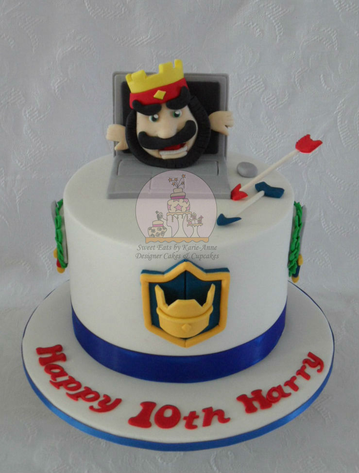 Clash Royale themed cake