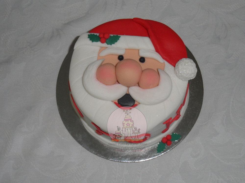 Santa Face Christmas Cake